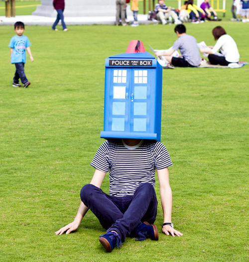 Tardis on Head & TARDIS Costume? | doctorwhowhovian
