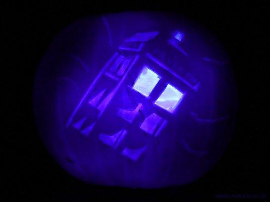 HalloweenTARDISPumpkinBlue